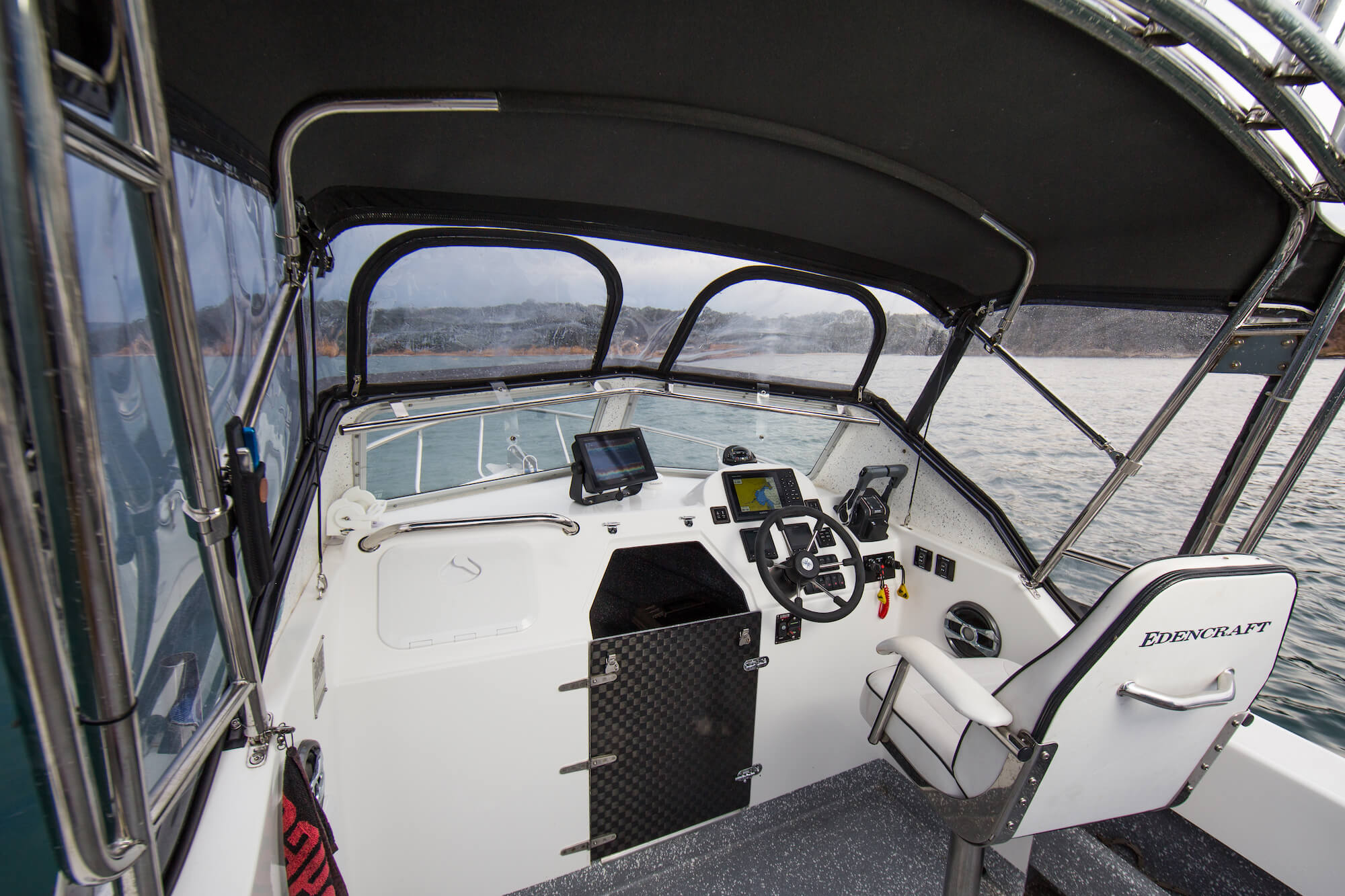 Dash & cabin of the Edencraft 6.0m Offshore boat