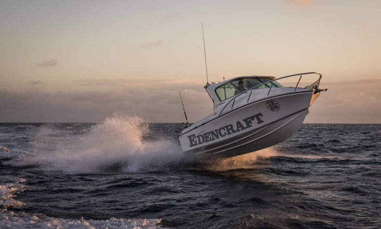 Edencraft 233 Formula Platinum launching from the water