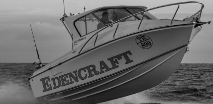 Edencraft 233 Formula Platinum launches from water